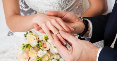 Więcej małżeństw, mniej rozwodów